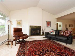Photo 3: 4647 Lochside Dr in VICTORIA: SE Broadmead Half Duplex for sale (Saanich East)  : MLS®# 818778