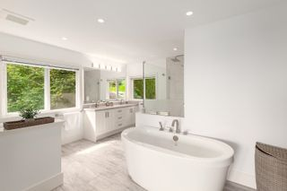 Photo 31: 989 DEMPSEY Road in North Vancouver: Braemar House for sale : MLS®# R2621301