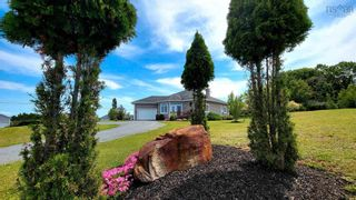 Main Photo: 1059 Avon Court in Hants Border: 404-Kings County Residential for sale (Annapolis Valley)  : MLS®# 202119794