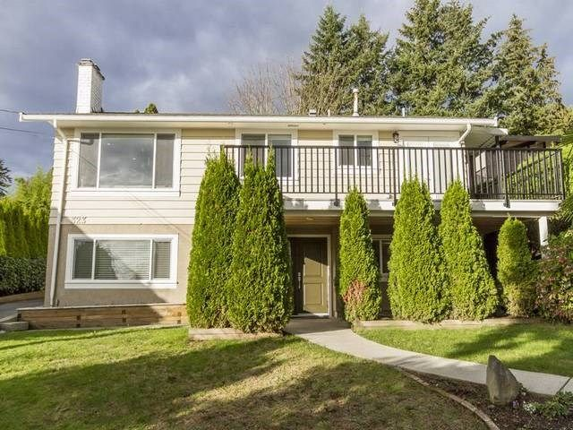 Main Photo: 323 SEAFORTH Crescent in Coquitlam: Central Coquitlam House for sale : MLS®# R2119811