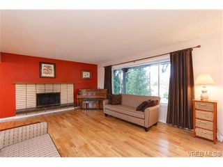 Photo 2: 4169 BRACKEN Ave in VICTORIA: SE Lake Hill House for sale (Saanich East)  : MLS®# 662171