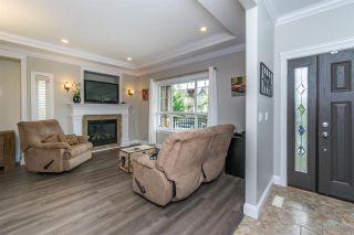 """Photo 2: 7333 194 Street in Surrey: Clayton House for sale in """"Clayton"""" (Cloverdale)  : MLS®# R2173578"""