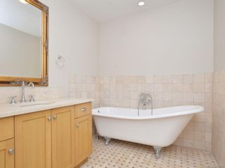 Photo 10: 204 2006 Troon Crt in : La Bear Mountain Condo for sale (Langford)  : MLS®# 863259