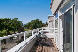 """Photo 9: 403 2288 W 12TH Avenue in Vancouver: Kitsilano Condo for sale in """"CONNAUGHT POINT"""" (Vancouver West)  : MLS®# V1077930"""