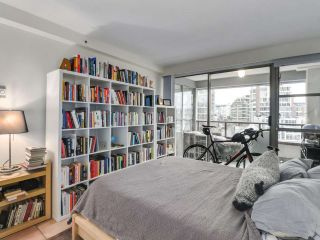 """Photo 11: 302 1008 BEACH Avenue in Vancouver: Yaletown Condo for sale in """"1000 BEACH"""" (Vancouver West)  : MLS®# R2527239"""