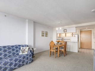 """Photo 15: 301 1978 VINE Street in Vancouver: Kitsilano Condo for sale in """"CAPERS BUILDING"""" (Vancouver West)  : MLS®# R2224832"""