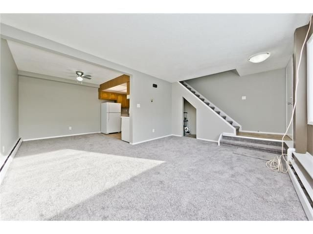 Photo 7: Photos: 118 3809 45 Street SW in Calgary: Glenbrook House for sale : MLS®# C4096404