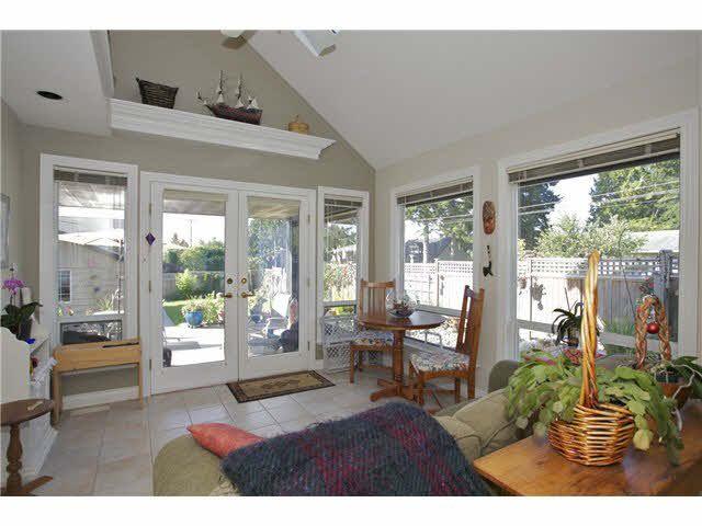 Photo 8: Photos: 14012 COLDICUTT Avenue: White Rock House for sale (South Surrey White Rock)  : MLS®# F1451146