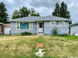 Photo 1: 206 Fourth Street South in Yorkton: Residential for sale : MLS®# SK869643