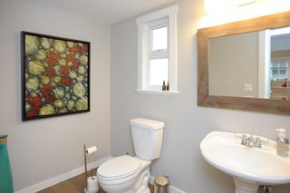 Photo 10: 1420 129B STREET in Surrey: White Rock House for sale (South Surrey White Rock)  : MLS®# R2510375