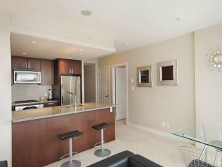 """Photo 4: 3006 2978 GLEN Drive in Coquitlam: North Coquitlam Condo for sale in """"GRAND CENTRAL ONE"""" : MLS®# R2139027"""