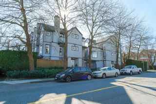 "Photo 1: 3 888 W 16TH Avenue in Vancouver: Cambie Townhouse for sale in ""LAUREL MEWS"" (Vancouver West)  : MLS®# R2442934"