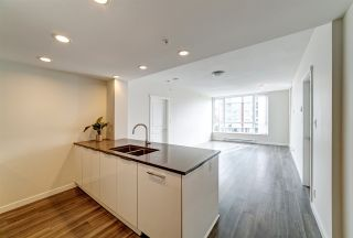"""Photo 4: 702 3096 WINDSOR Gate in Coquitlam: New Horizons Condo for sale in """"Mantyla by Polygon"""" : MLS®# R2492925"""