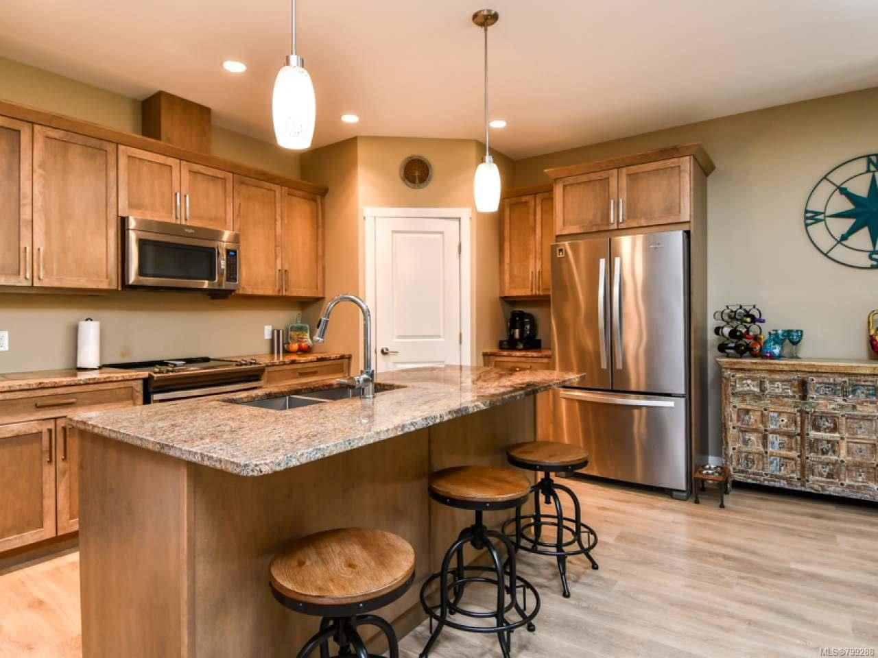 Photo 2: Photos: 11 301 Arizona Dr in CAMPBELL RIVER: CR Willow Point Half Duplex for sale (Campbell River)  : MLS®# 799288