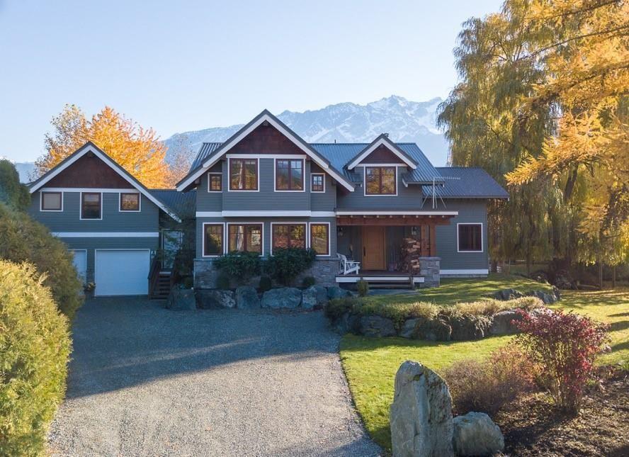 Main Photo: 1416 W PEMBERTON FARM Road: Pemberton House for sale : MLS®# R2270266