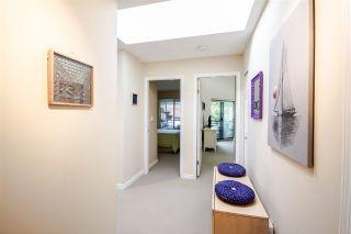 Photo 3: 301 1467 MARTIN Street: White Rock Condo for sale (South Surrey White Rock)  : MLS®# R2047854