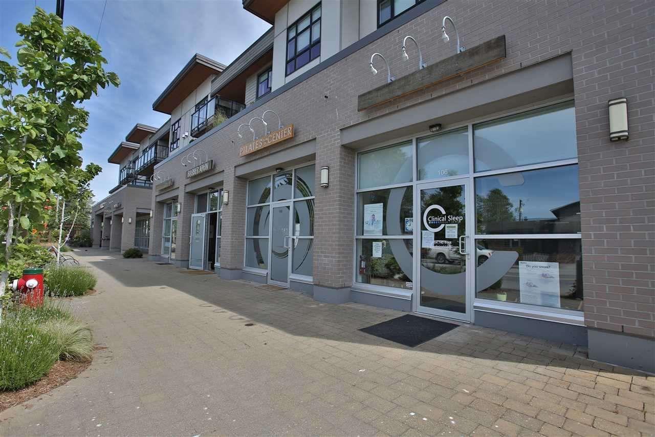 Main Photo: 307 5682 WHARF Avenue in Sechelt: Sechelt District Condo for sale (Sunshine Coast)  : MLS®# R2557264