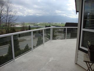Photo 17: 2459 WHATCOM Road in Abbotsford: Abbotsford East House for sale : MLS®# F1408243