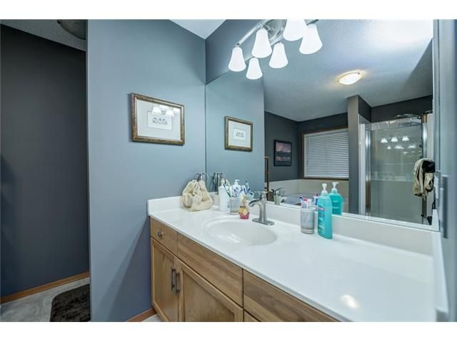 Photo 28: Photos: 137 COVE Court: Chestermere House for sale : MLS®# C4090938