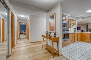 Photo 4: 402 320 Meredith Road NE in Calgary: Crescent Heights Apartment for sale : MLS®# A1143328