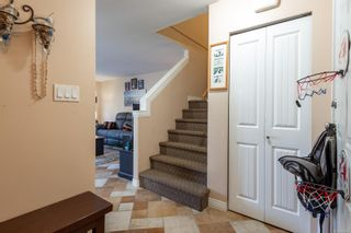Photo 8: A 677 Otter Rd in : CR Campbell River Central Half Duplex for sale (Campbell River)  : MLS®# 881477