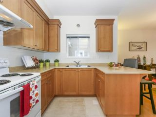 Photo 11: 7866 BENNETT Road in Richmond: Brighouse South 1/2 Duplex for sale : MLS®# R2364700