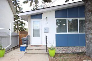 Photo 1: 75 Davidson Crescent in Saskatoon: Westview Heights Residential for sale : MLS®# SK854932