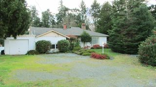 Photo 2: 1977 Colwood Cres in Colwood: Co Colwood Corners House for sale : MLS®# 674006