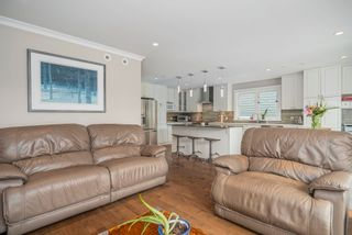 Photo 8: 1149 RONAYNE Road in North Vancouver: Lynn Valley House for sale : MLS®# R2617535