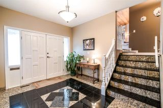 Photo 1: 6399 PARKVIEW PLACE in Burnaby: Upper Deer Lake House for sale (Burnaby South)  : MLS®# R2348530