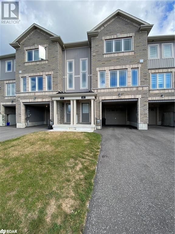 Main Photo: 67 FRANK'S Way in Barrie: House for lease : MLS®# 40164406
