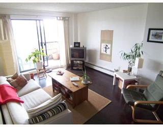 Photo 4: 403 209 CARNARVON Street in New_Westminster: Downtown NW Condo for sale (New Westminster)  : MLS®# V768547