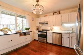 """Photo 4: 82 8111 SAUNDERS Road in Richmond: Saunders Townhouse for sale in """"OSTERLEY PARK"""" : MLS®# R2553834"""