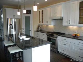 Photo 5: 617 Simcoe St in VICTORIA: Vi James Bay Half Duplex for sale (Victoria)  : MLS®# 663410
