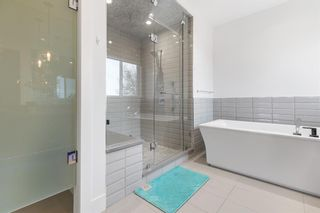 Photo 30: 2704 1 Avenue NW in Calgary: West Hillhurst Detached for sale : MLS®# A1152008