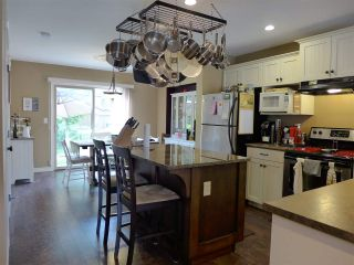 """Photo 8: 36 36169 LOWER SUMAS MOUNTAIN Road in Abbotsford: Abbotsford East Townhouse for sale in """"Junction Creek"""" : MLS®# R2175305"""