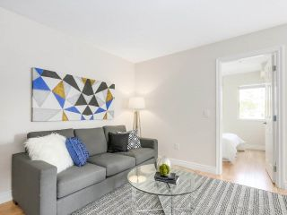 """Photo 3: 206 688 E 16TH Avenue in Vancouver: Fraser VE Condo for sale in """"VINTAGE EASTSIDE"""" (Vancouver East)  : MLS®# R2189577"""