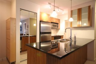 """Photo 6: 301 1155 SEYMOUR Street in Vancouver: Downtown VW Condo for sale in """"BRAVA"""" (Vancouver West)  : MLS®# R2117217"""
