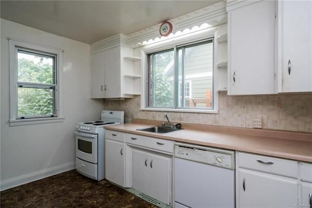 Photo 3: Photos: 516 Montague Avenue in Winnipeg: Riverview Residential for sale (1A)  : MLS®# 1817689