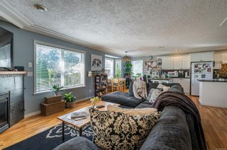 Photo 3: 925 E Garthland Pl in : Es Kinsmen Park House for sale (Esquimalt)  : MLS®# 866593