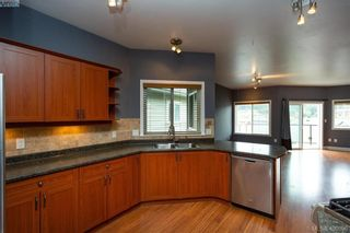 Photo 4: 23 Kaleigh Lane in VICTORIA: VR Six Mile House for sale (View Royal)  : MLS®# 799930