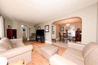 Photo 3: 30 West Fernwood Avenue in Winnipeg: Norberry Residential for sale (2C)  : MLS®# 202109477