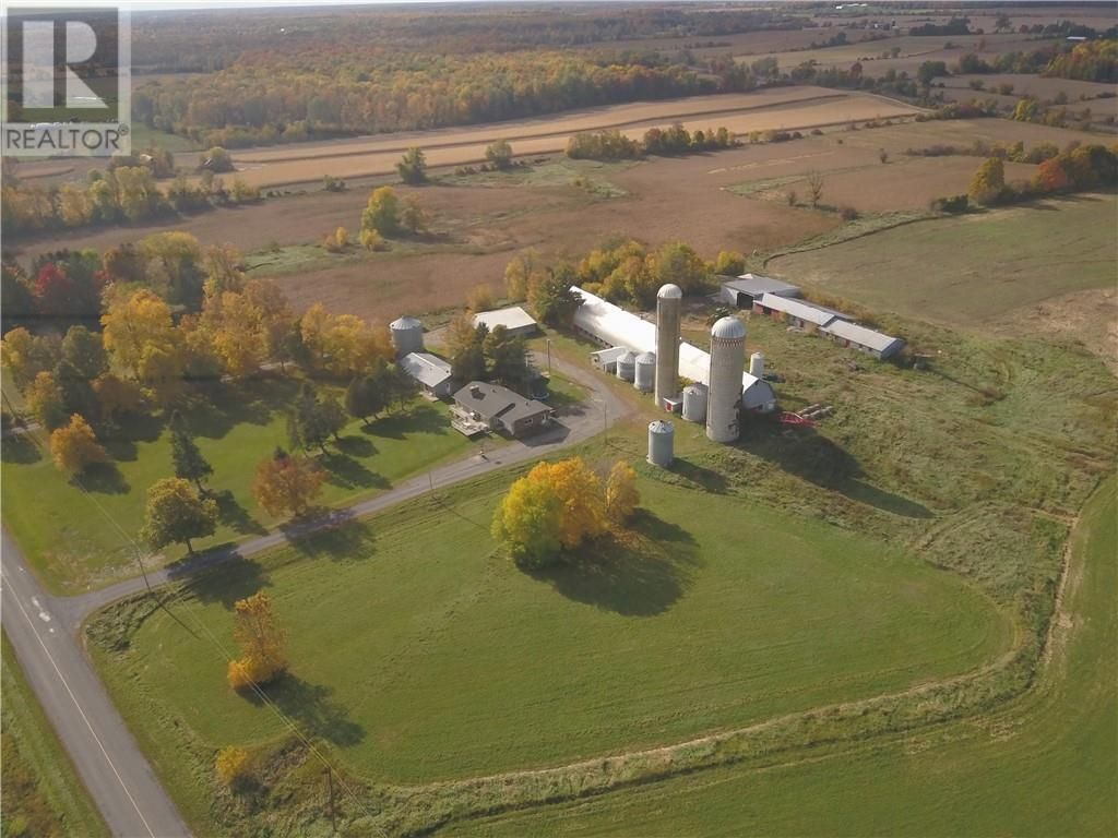 Main Photo: 21775-21779 CONCESSION 7 ROAD in North Lancaster: Agriculture for sale : MLS®# 1212297