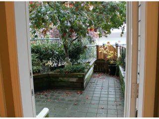 """Photo 4: 104 15154 ROPER Avenue: White Rock Condo for sale in """"SAND DOLLAR"""" (South Surrey White Rock)  : MLS®# F1425416"""