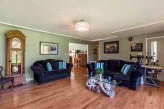 Photo 3: 56 WagonWheel Cres in Langley: Home for sale : MLS®# R2212194