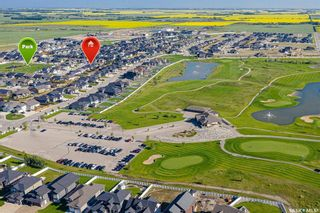Photo 2: 424 Player Crescent in Warman: Residential for sale : MLS®# SK855844
