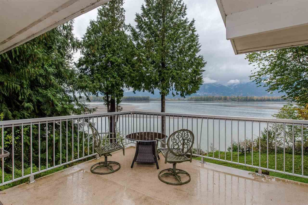 """Photo 10: Photos: 42737 OLD ORCHARD Road in Chilliwack: Chilliwack Mountain House for sale in """"Chilliwack Mountain"""" : MLS®# R2201950"""