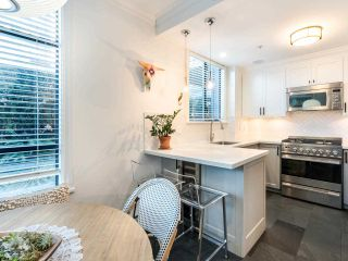 """Photo 14: 101 1725 BALSAM Street in Vancouver: Kitsilano Condo for sale in """"Balsam House"""" (Vancouver West)  : MLS®# R2454346"""