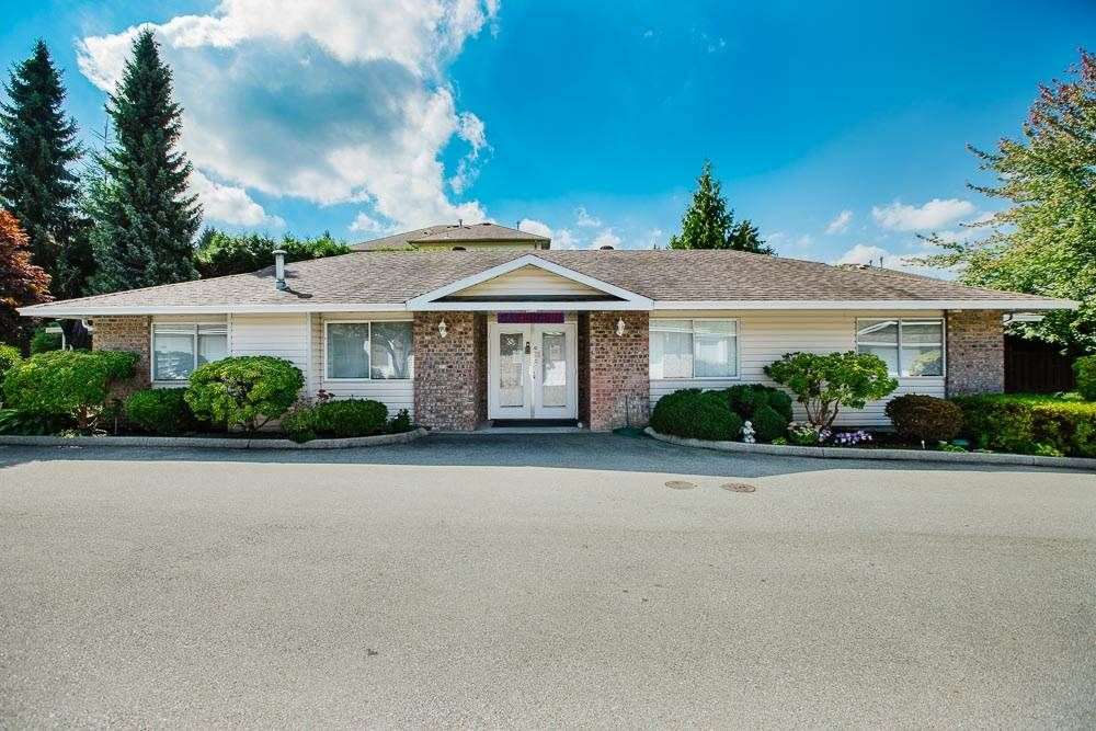 "Main Photo: 49 22308 124 Avenue in Maple Ridge: West Central Townhouse for sale in ""BRANDY WYND ESTATES"" : MLS®# R2494203"