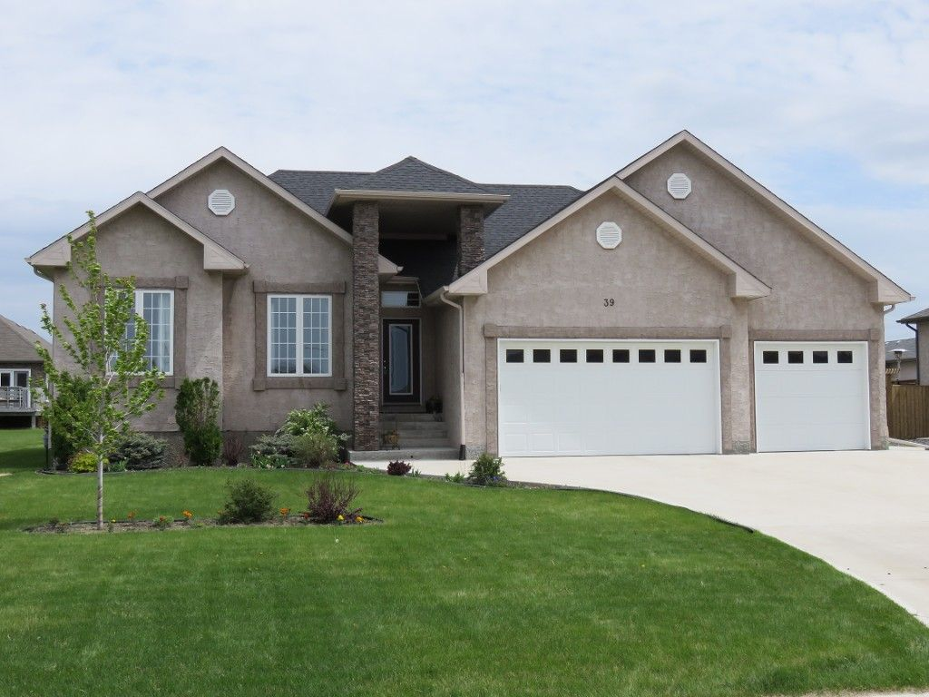 Main Photo: 39 Sage Place in Oakbank: Single Family Detached for sale : MLS®# 1514916